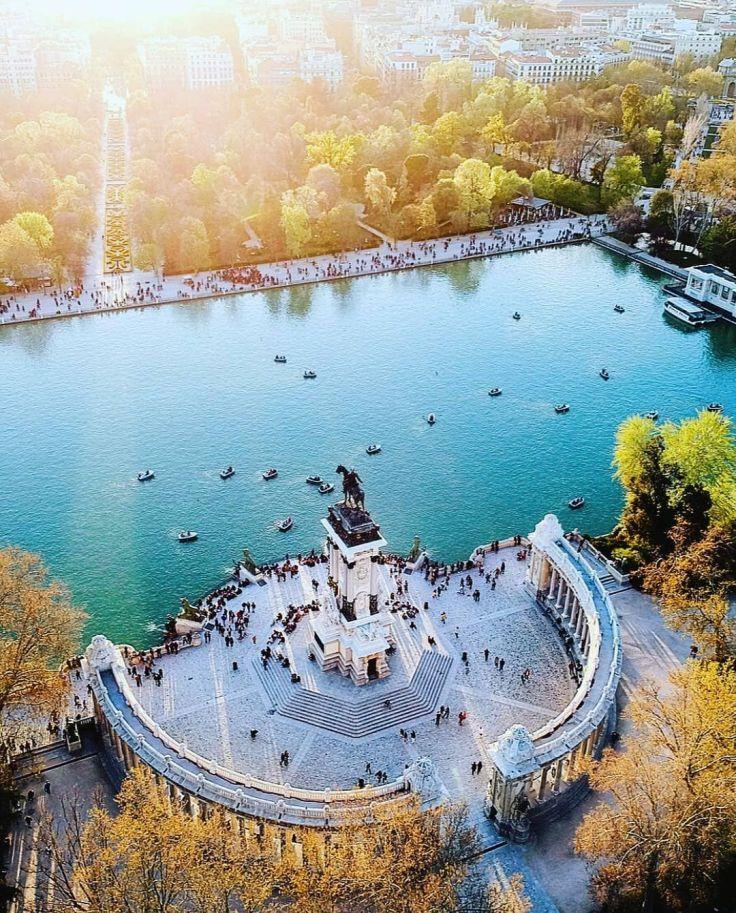 "ESPAÑA 🇪🇸 SPAIN 🇪🇸 on Instagram_ ""Parque del Retiro, M A D R I D 🇪🇸🇪🇸🇪🇸🇪🇸🇪🇸 😍😍😍❤❤❤️💛💛💛❤❤❤ Hermosa foto por @chema_ • • • • #madrid #madridmemola #igersmadrid #spain #españa…"""
